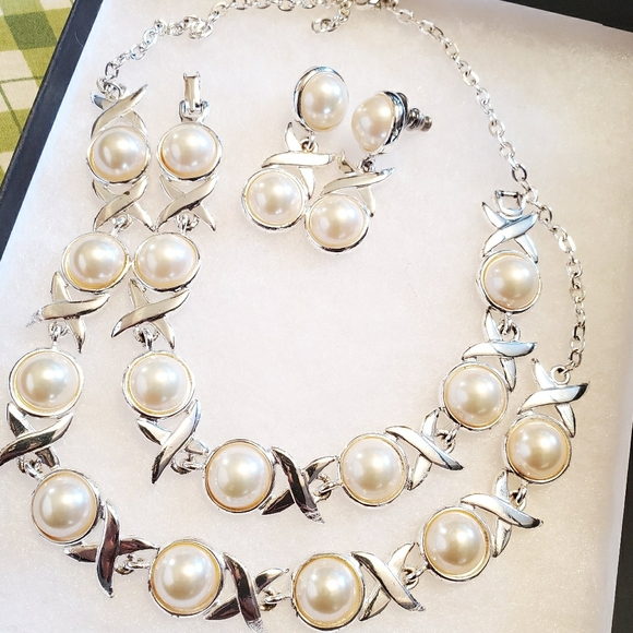 Sterling Silver Pearl Set